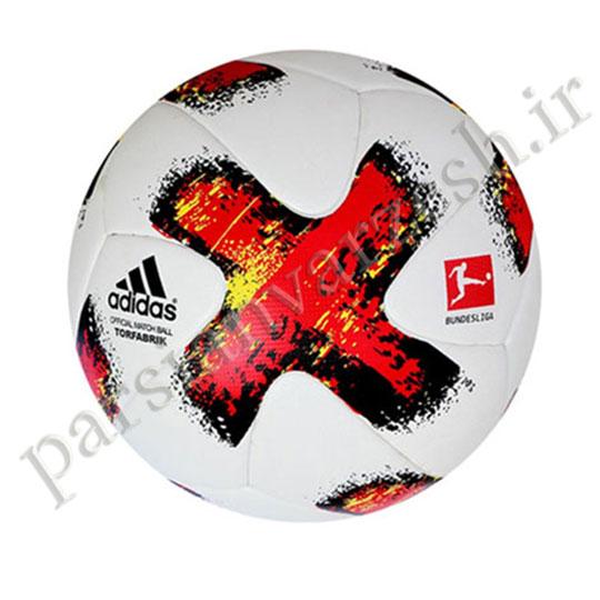 توپ فوتبال تور فابریک